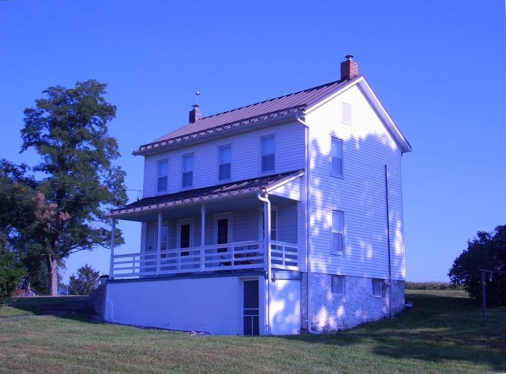 Private 1860's 3 bedroom home on 130 acre family cattle farm