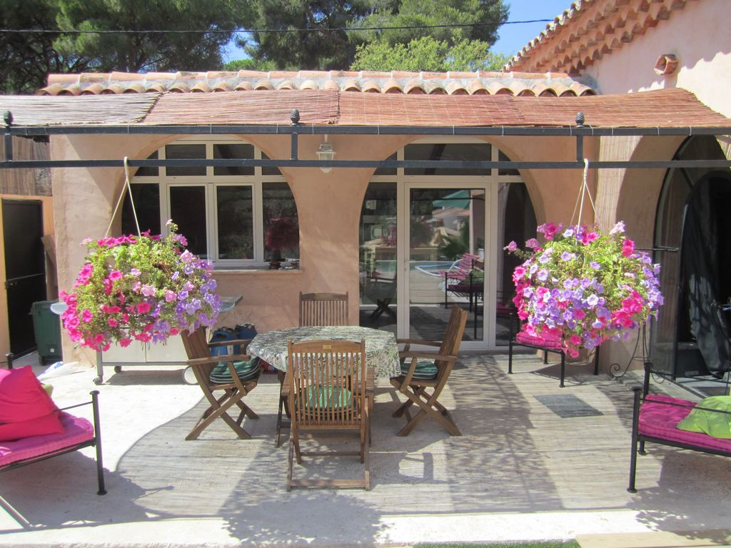 Air-conditioned accommodation, 150 square meters, close to the beach