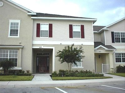 4 Bedroom Vacation Rental Townhome in Kissimmee - Evolve Vacation Rental Network