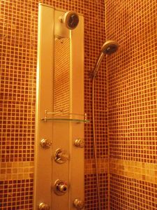 Gramercy Park condo rental - Spa jet shower (Suite 1E)