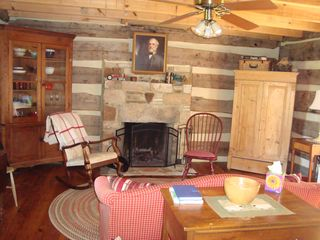 Amherst cabin photo - Family Room
