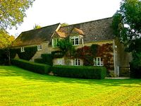 4 Cotswold stone cottage on the banks of the River Thames