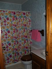 Pentwater cottage photo - Bath with full tub/shower.