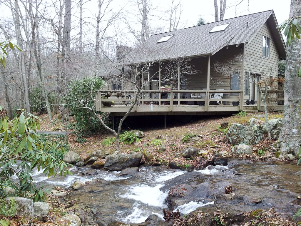 Creek Front Log Cabin Just Steps From The Vrbo