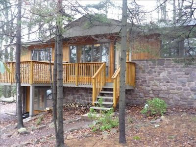 Located on a secluded wooded lot close to all of Split Rock's amenities