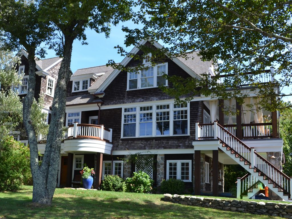 The great gatsby beach cottage waterfront great gatsby Great gatsby house tour