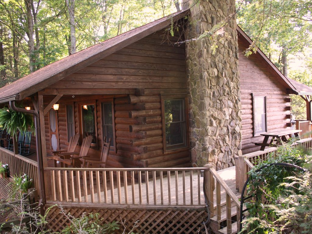 Graywolf romantic log home w spectacular grandfather mt for 8 bedroom cabins in north carolina