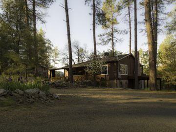Prescott cabin rental - Sunrise on the front deck leading directly into the cabin (no lengthy stairs).