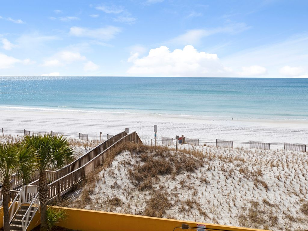 Private beach access for owners & guests of Dune Pointe