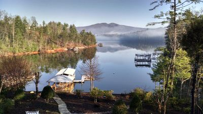 Gorgeous mountain retreat in gated community. Private dock w/ boat slip.
