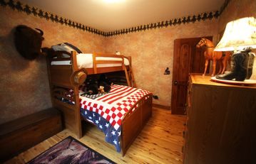 Camelot - Merlin's Bunk Room, sleeps 3 in captain's bunk (twin on top, double on the bottom), ensuite bath
