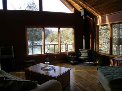 Great Room with water views right outside the cabin