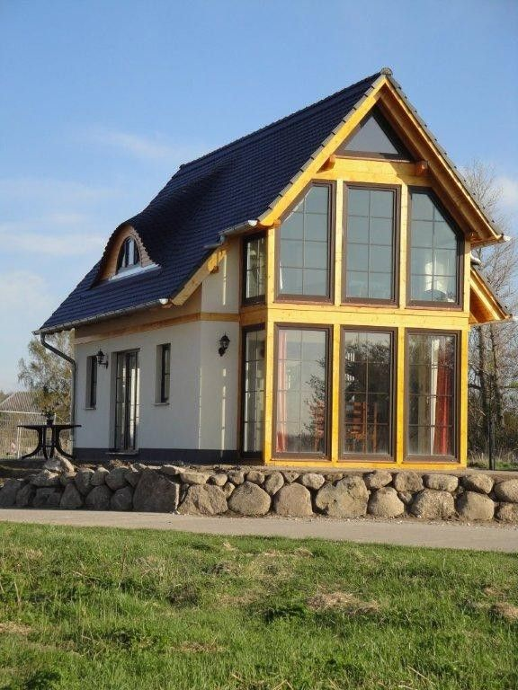 Exclusive house in 1st row to the water, boat, sauna, fireplace, Jacuzzi, Internet