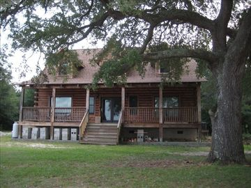 Morehead City cabin rental - Crystal Coast Cabin Back Deck