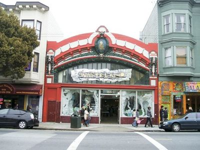 Boutiques on Haight Street are within walking distance.