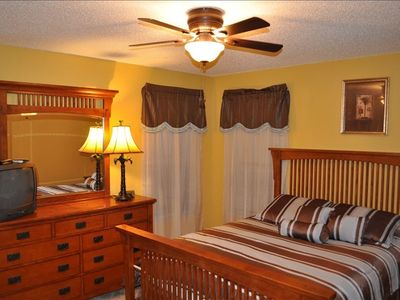 Emerald Island villa rental - Suite 4 - Queen Bed Suite