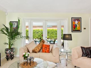 Fort Lauderdale house photo - Colorful and cozy.