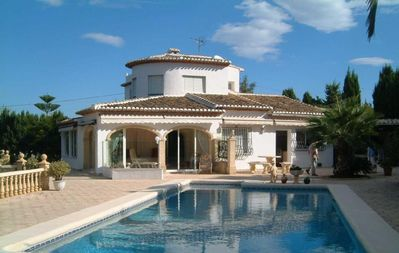 Exclusive 7 bed Villa in extensive grounds with luxury pool. Wi-Fi