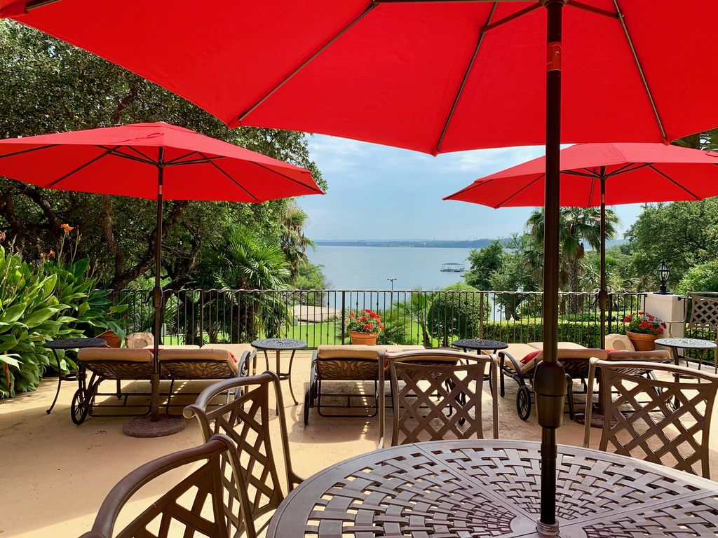 The Palms – Waterfront with Dock/Near Oasis/Close to town/Pool Table/Hot Tub
