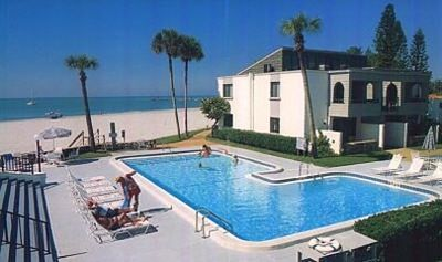 Large Beachside heated pool - between the condo's courtyard and the gulf!