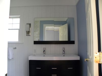 East Hampton house rental - Junior Master Bath