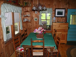 Woodstock lodge photo - Dining area