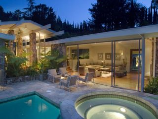 Hollywood estate photo - Amazing Mid Century Architectural Pool and Spa into Living Rm and Atrium