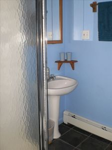 Manomet cottage rental - Renovated full bath