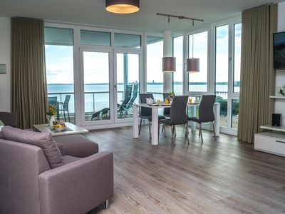 Luxury apartment in direct near beach with sea view for 6 people.