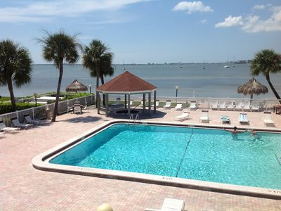 Heated Pool,Jacuzzi104,Private White sand beach.Madddys Restaurant kayak too.