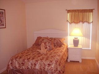 Cumbrian Lakes villa photo - Queen Bedroom