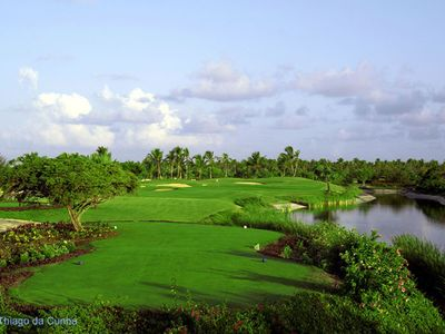 Cocotal Golf & Country Club (5 minute drive)