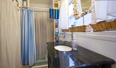 Venice Beach house rental - 1 of 2 bathrooms