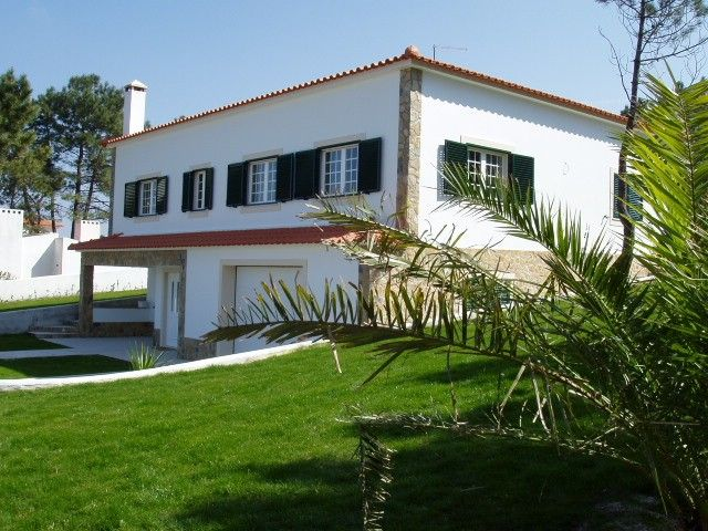 Golf and Beach Country Cottage with pool and garden