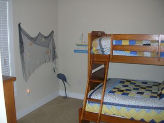 Galveston condo photo - Bunks: Sleeps 3! Full on bottom and twin on top
