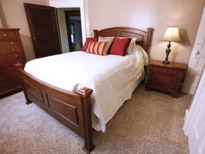Queen Bed Room Full bath attached
