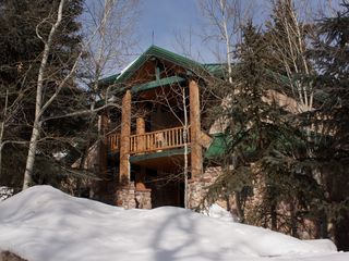 Sundance cabin photo - Beautiful Cabin Exterior in the Winter. Easy access covered driveway. Garage.