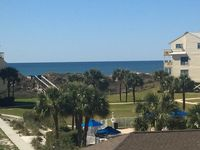4 bedroom, 4.5 bath Townhouse with Gulf Views!