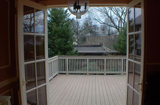 Downtown - Washington DC house photo - Large Deck extending to yard & carriage) SIX lawn chairs now on Deck!