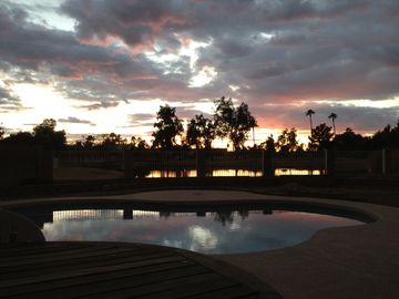 Glendale house rental - Another Arizona sunset over the Arrowhead Legends golf course from my backyard.