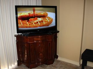 "Fort Walton Beach condo photo - 47"" Flat screen TV with Blue Ray DVD player in living room"