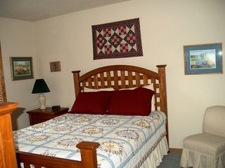 Sunriver house photo - Guest Bedroom with Queen Bed