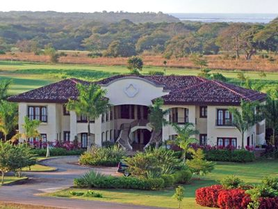 Casa de Golf - On the 18th Fairway at Hacienda Pinilla
