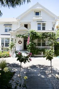 Historic Home located in the downtown of Cloverdale, CA
