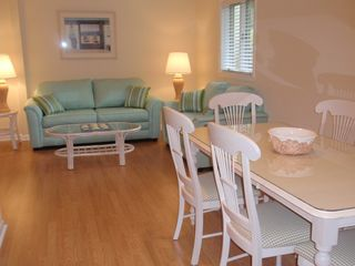 Bethany Beach townhome photo - There is a sitting area off the dining room.