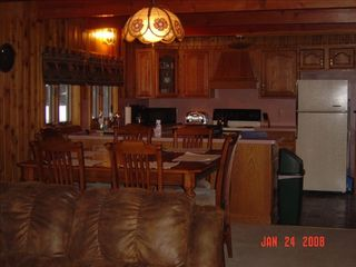 Kitchen Dining Living Room Combo - Pittsburg house vacation rental photo