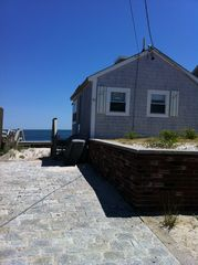 Yarmouth cottage photo - cobble stone driveway for offstreet parking with this free standing cottage