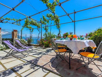 Apartment in Villa with breathtaking view on the Cost Amalfitana and the sea, private garden