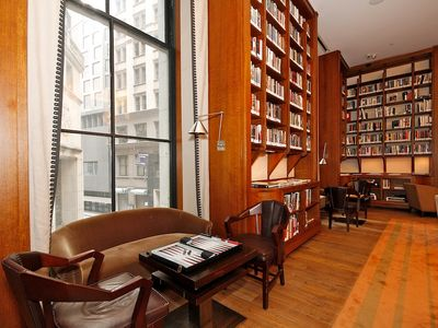 Financial District studio rental - Breathaking Lounge/Library