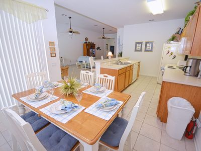 Windsor Hills villa rental - Kitchen table seats 6 plus bar stools at the breakfast counter